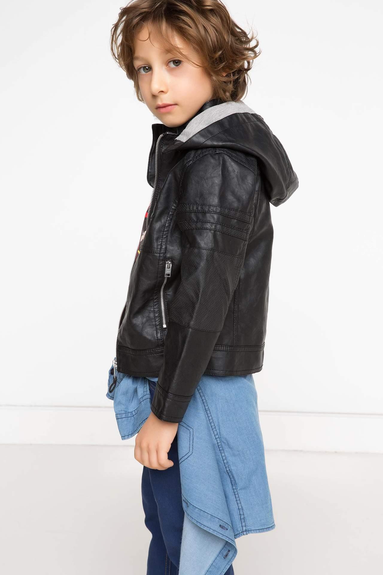 DeFacto Erkek Çocuk Kapşonlu Mont Siyah male