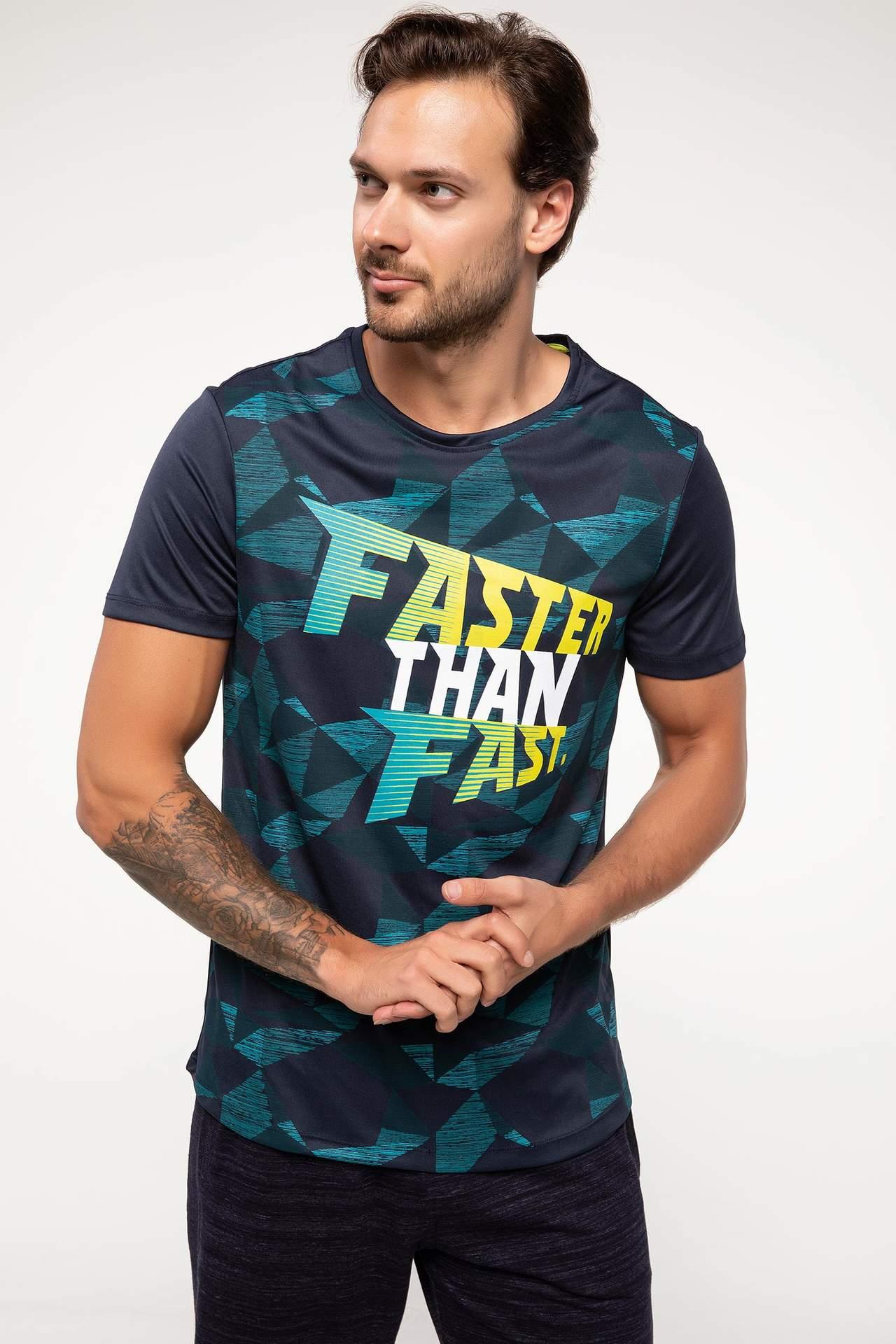 DeFacto Erkek Geometrik Desenli Yazı Baskılı Sporcu T-shirt Mavi male
