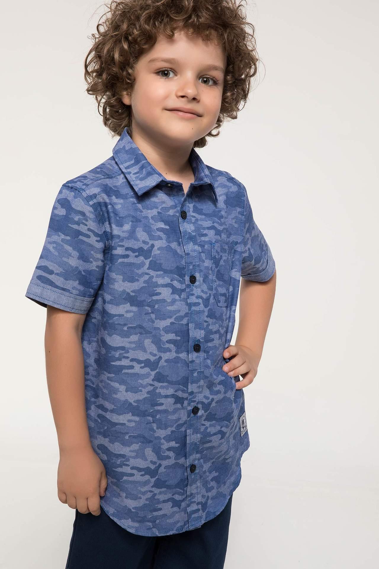 DeFacto Erkek Çocuk Kamuflaj Desenli Tek Cep Detaylı Kısa Kollu Gömlek Mavi male