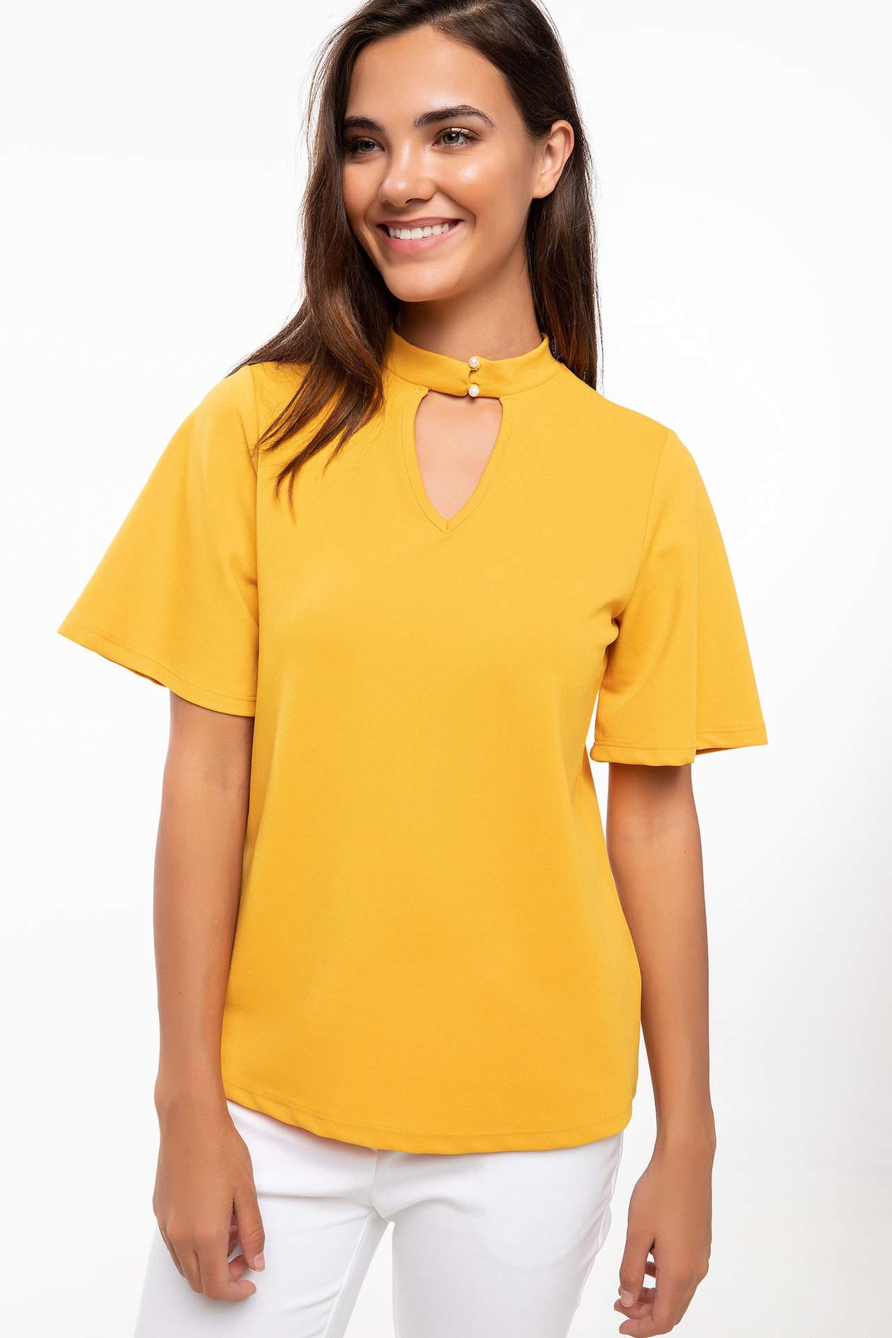 DeFacto Kadın Yakası Düğme Detaylı Kısa Kollu Bluz Sarı female