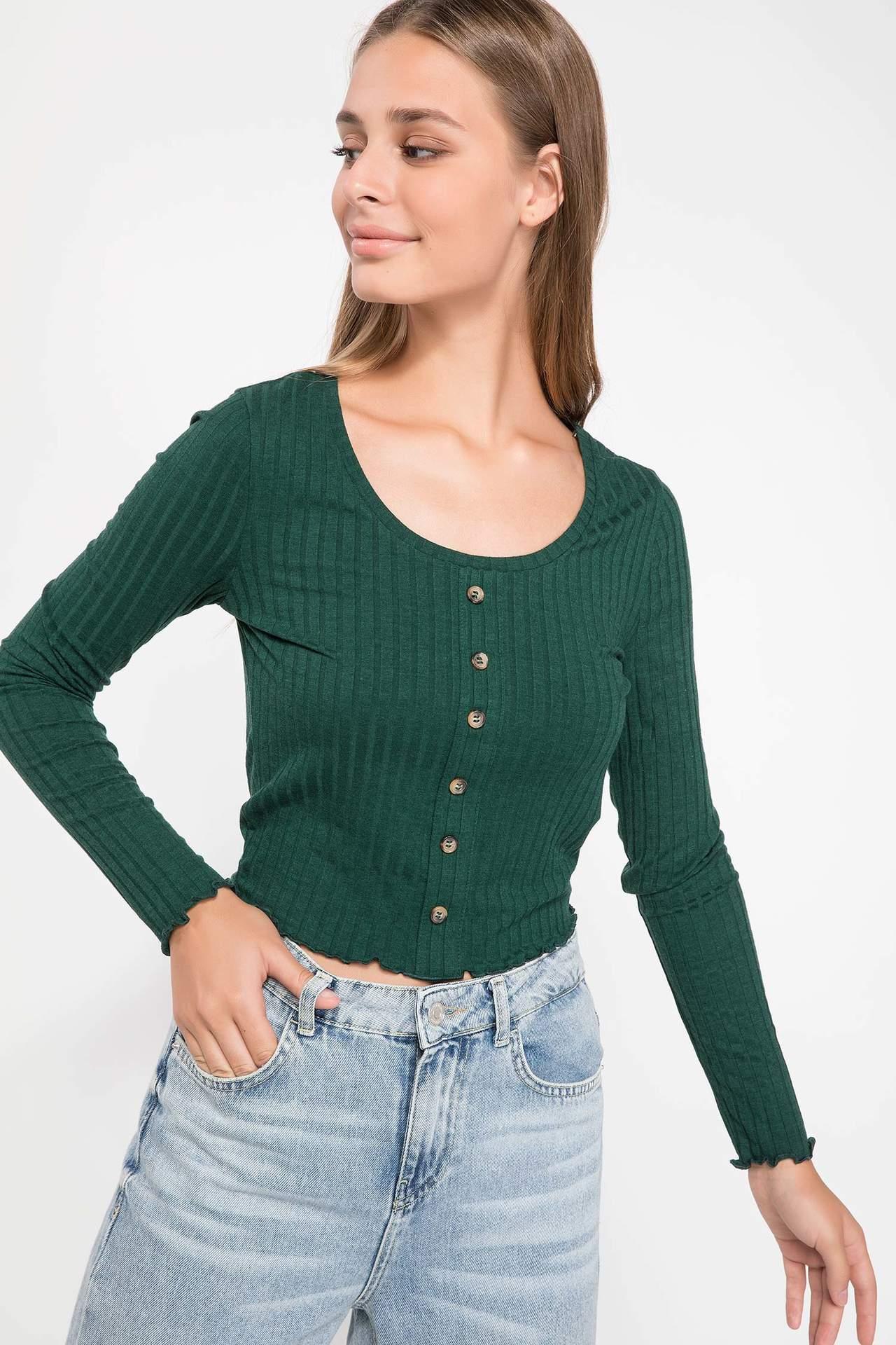 DeFacto Kadın Düğme Detaylı Slim Fit Kısa T-shirt Yeşil female
