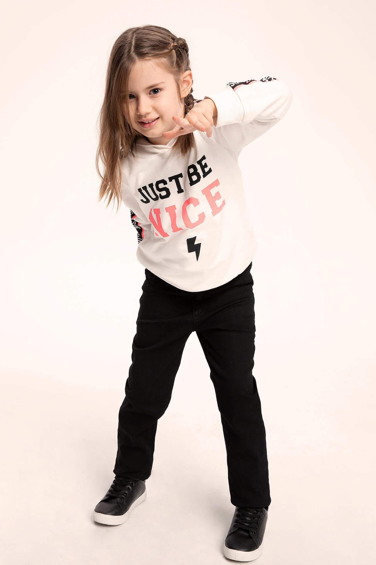 DeFacto Kız Çocuk Kapüşonlu Yazı Baskılı Şerit Detaylı Sweatshirt Ekru female