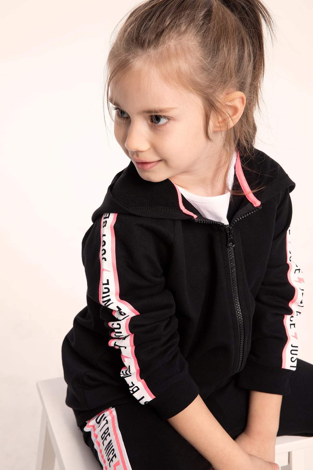 DeFacto Kız Çocuk Kapüşonlu Kolları Şeritli Fermuarlı Sweatshirt Siyah female
