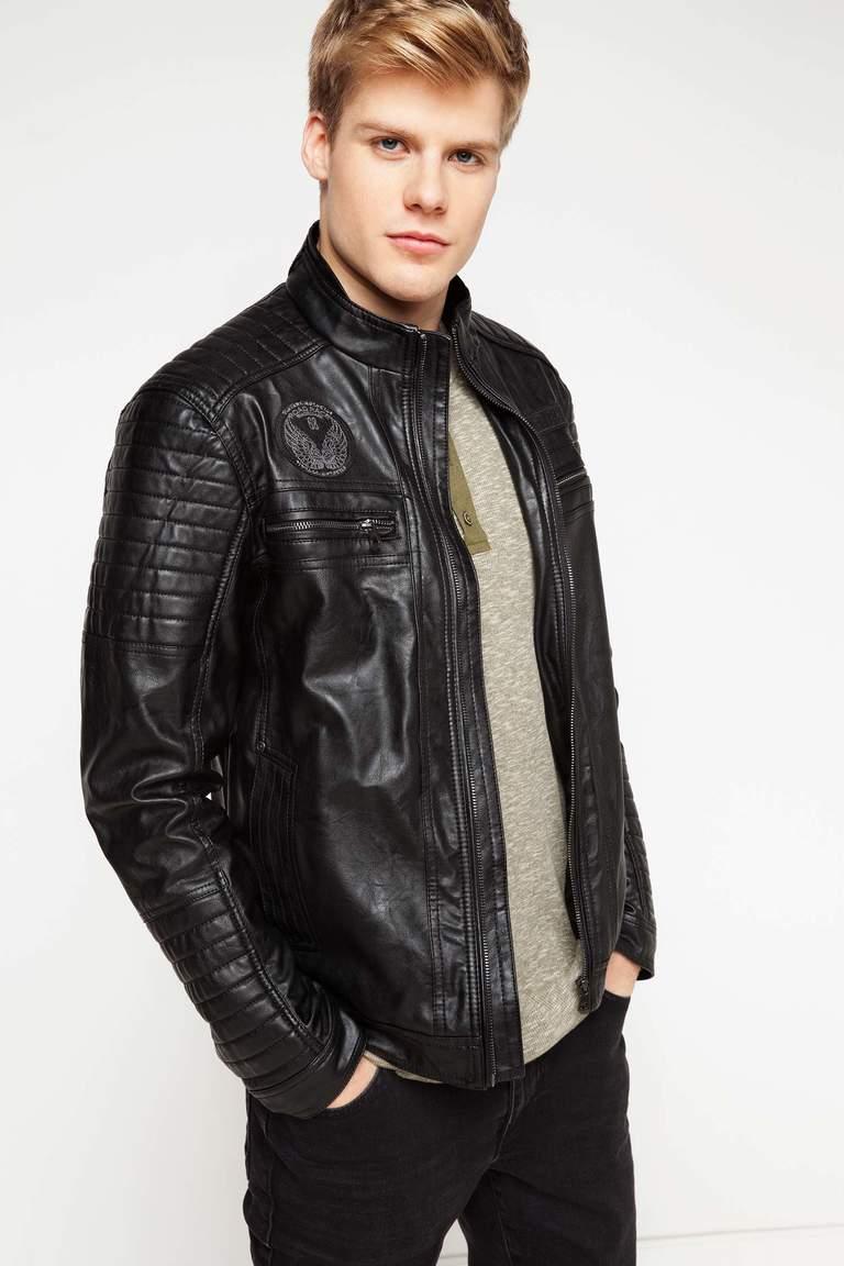 Erkek giyiminin en prestijli ürünleri ceket ve montlarıyla kalite, stil ve cazipliği en yüksek seviyede şık giyim tutkunlarına sunan IMG Men's Wear Merter giyim firmaları ve tüm erkek giyim sektörünün en önemli markalarındandır.