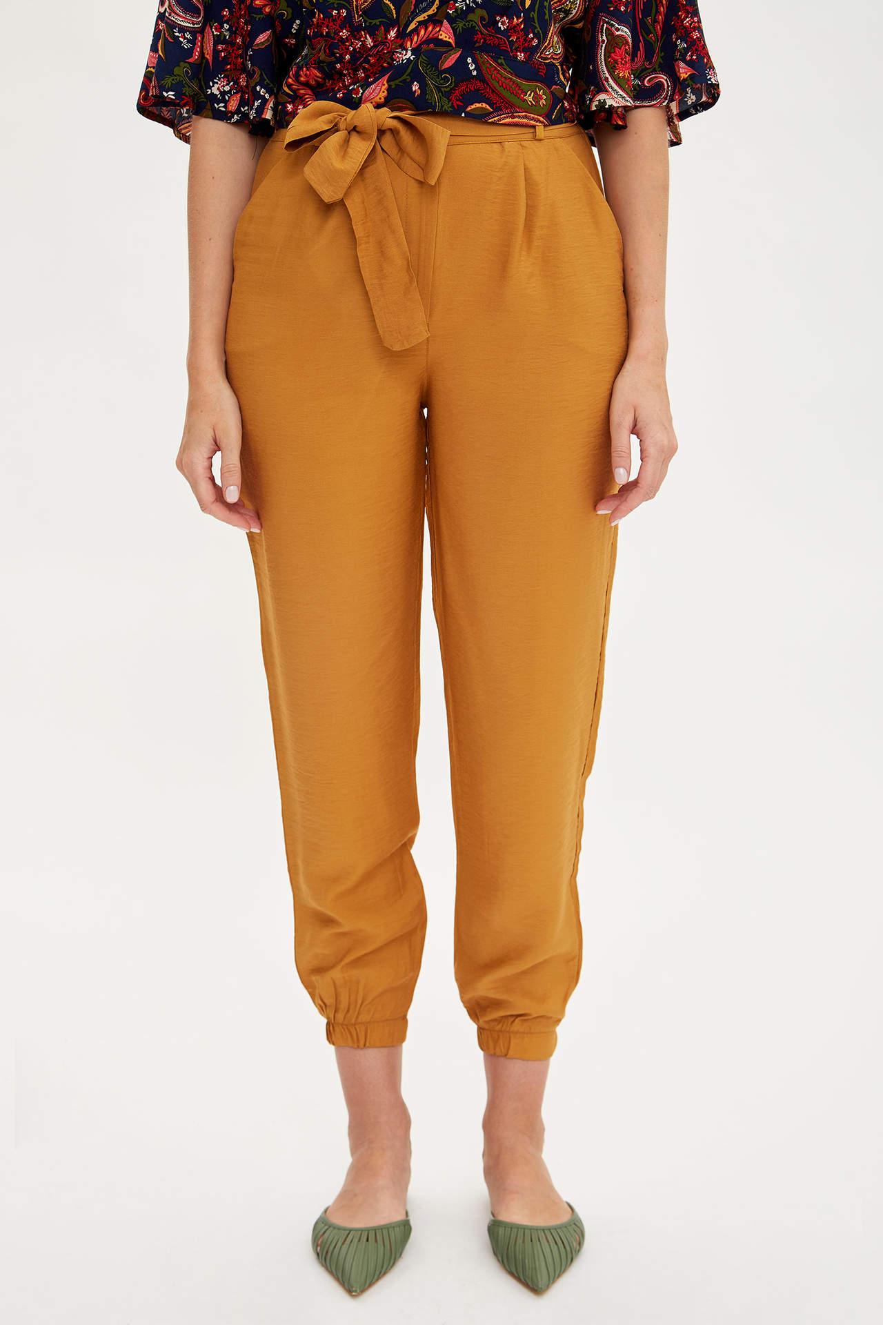 Defacto Kadın Relax Fit Beli Kuşaklı Pantolon