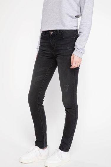 DeFacto Susana Slim Fit Denim Pantolon