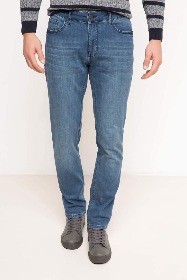 DeFacto Karma 3 Erkek Paco Slim Fit Denim Pantolon 1