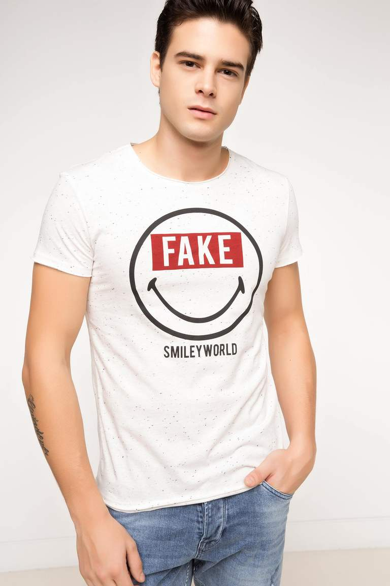 Smiley World Lisanslı T-shirt