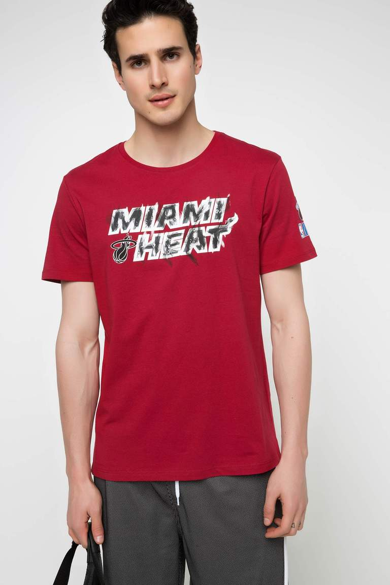 DeFacto Bordo Erkek NBA Miami Heat Lisanslı T-shirt 1