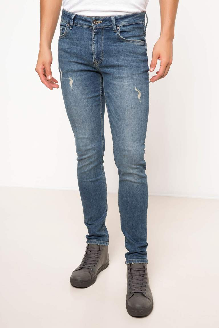 DeFacto Karma 3 Erkek Ekstra Slim Fit Denim Pantolon 1