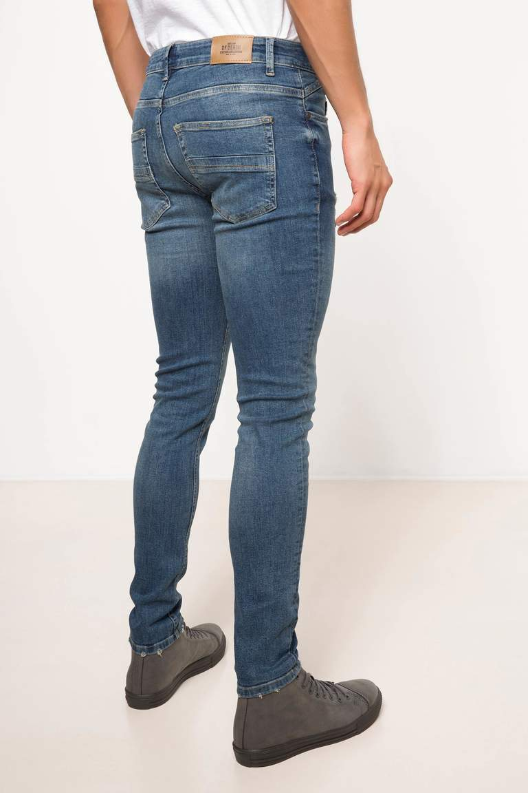 DeFacto Karma 3 Erkek Ekstra Slim Fit Denim Pantolon 3