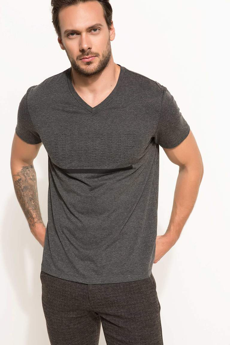 DeFacto Antrasit Erkek Regular Fit T-shirt 1