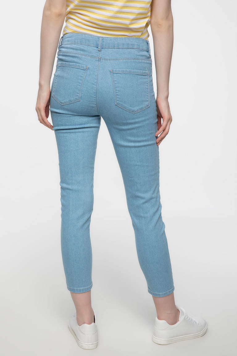 DeFacto Mavi Anna Bilek Boy Basic Denim Pantolon 3