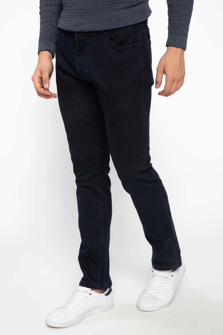 DeFacto Çivit Mavisi Erkek Sergio Regular Fit Denim Pantolon 1