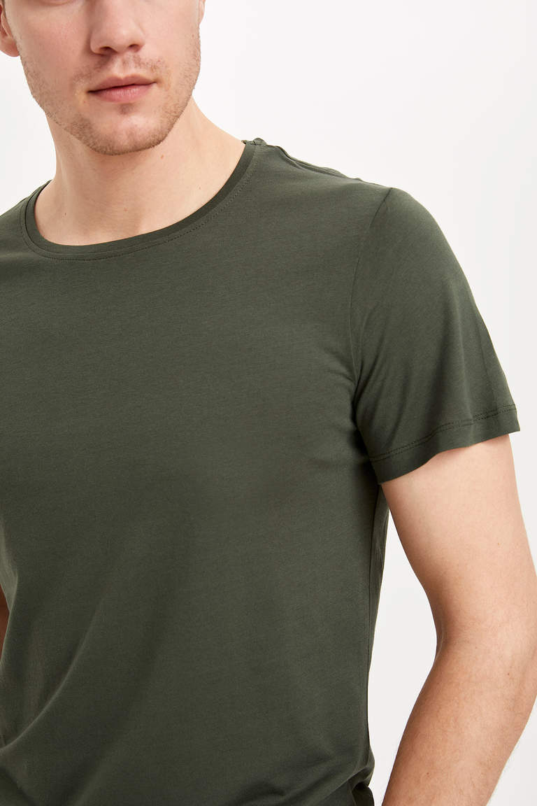 Slim Fit Basic T-shirt