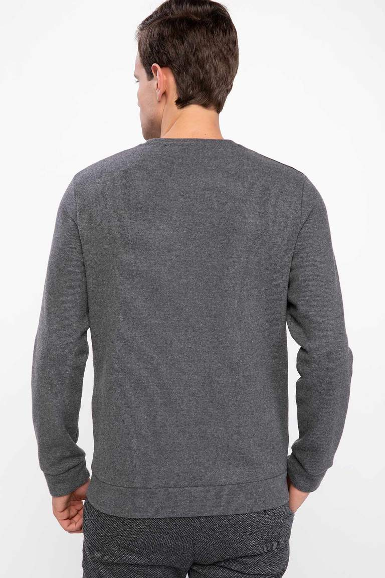 Slim Fit Sweatshirt