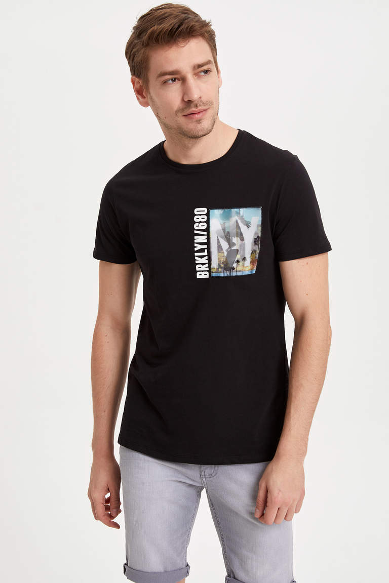 Hologram Baskılı Slim Fit T-shirt