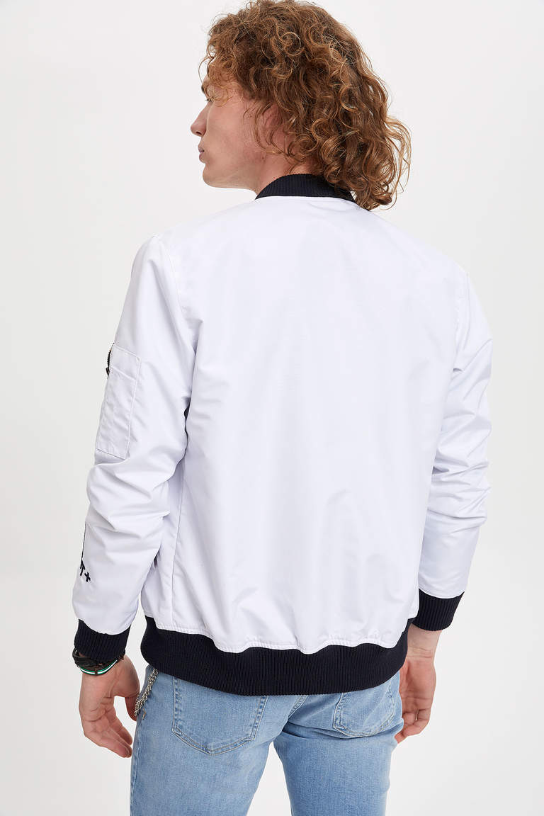 Slim Fit Bomber Mont