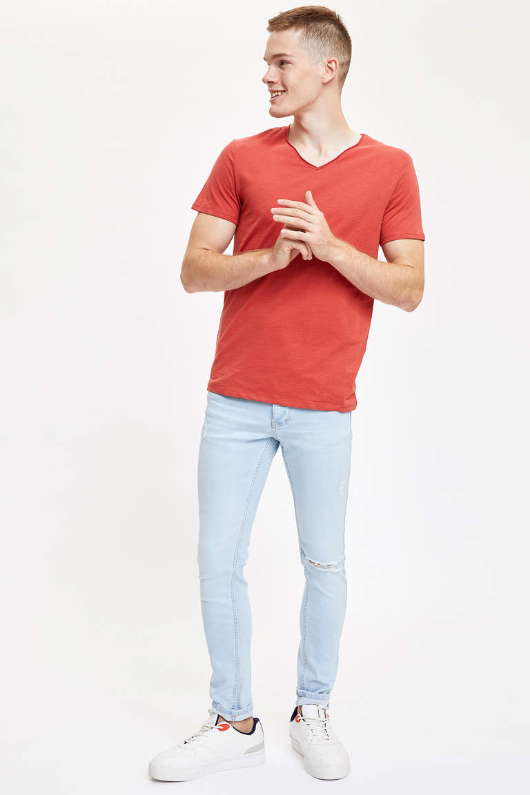 V Yaka Slim Fit Basic Pamuklu Tişört