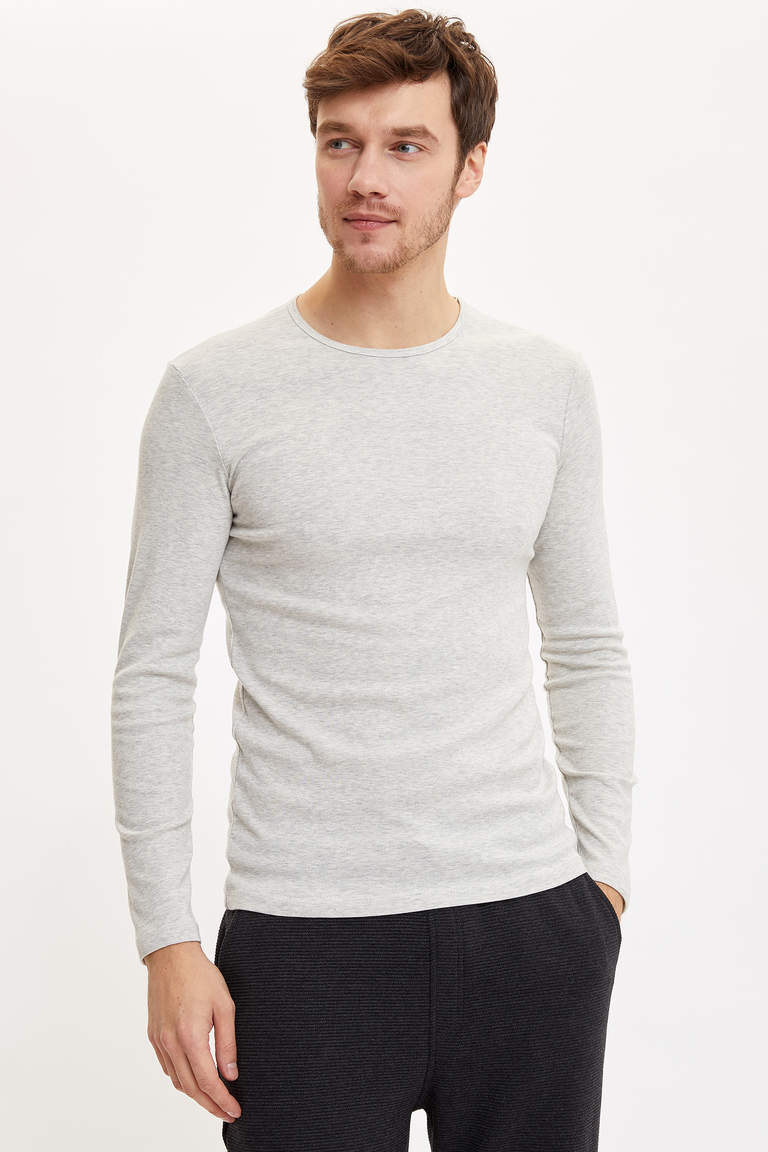Basic Slim Fit T-shirt
