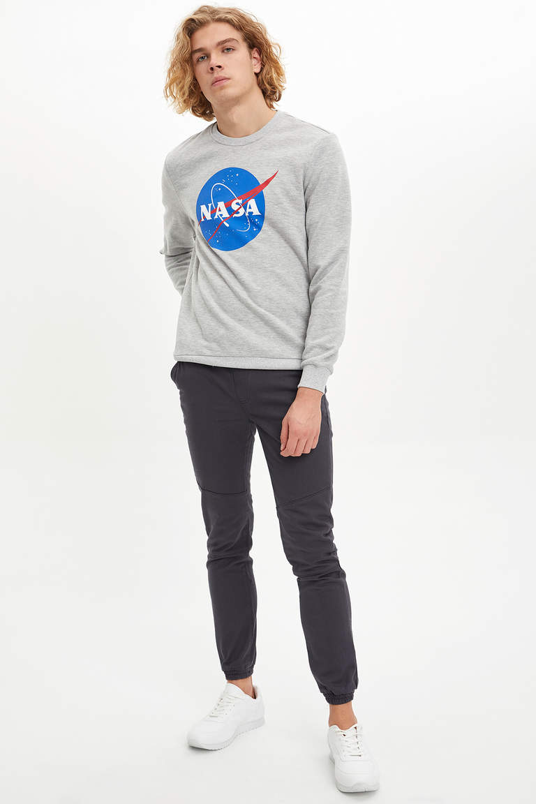 NASA Lisanslı Slim Fit Baskılı Sweatshirt