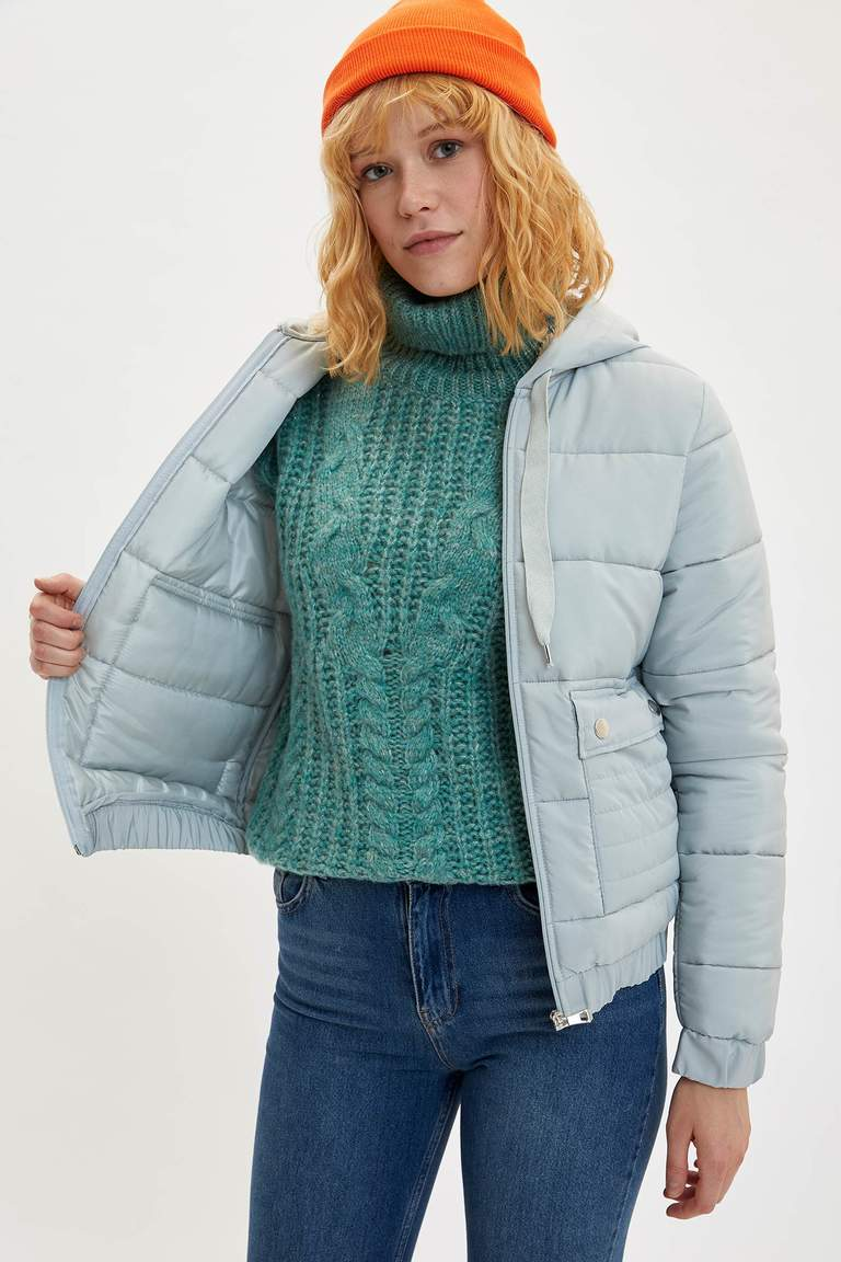 Kapüşonlu Regular Fit Mont
