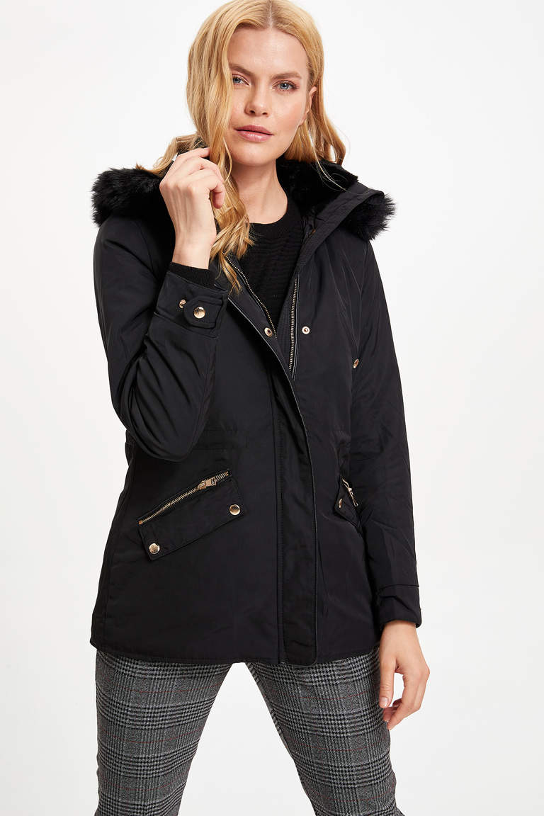 Kapüşonlu Regular Fit Parka