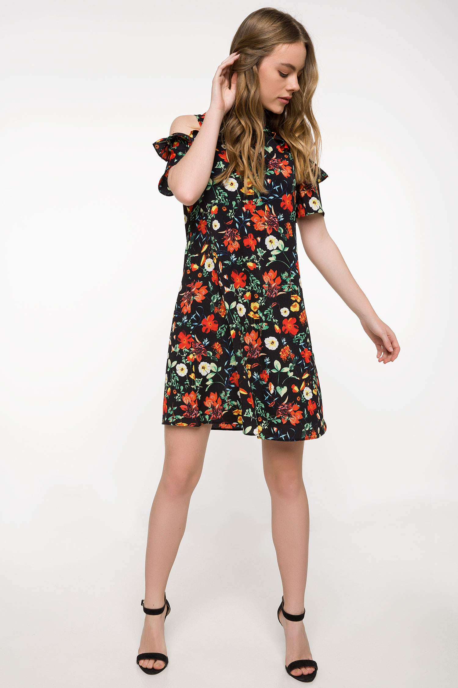 175f8d0fadd61 Siyah Kadın Omuz Dekolteli Çiçek Desenli Elbise 802158 | DeFacto