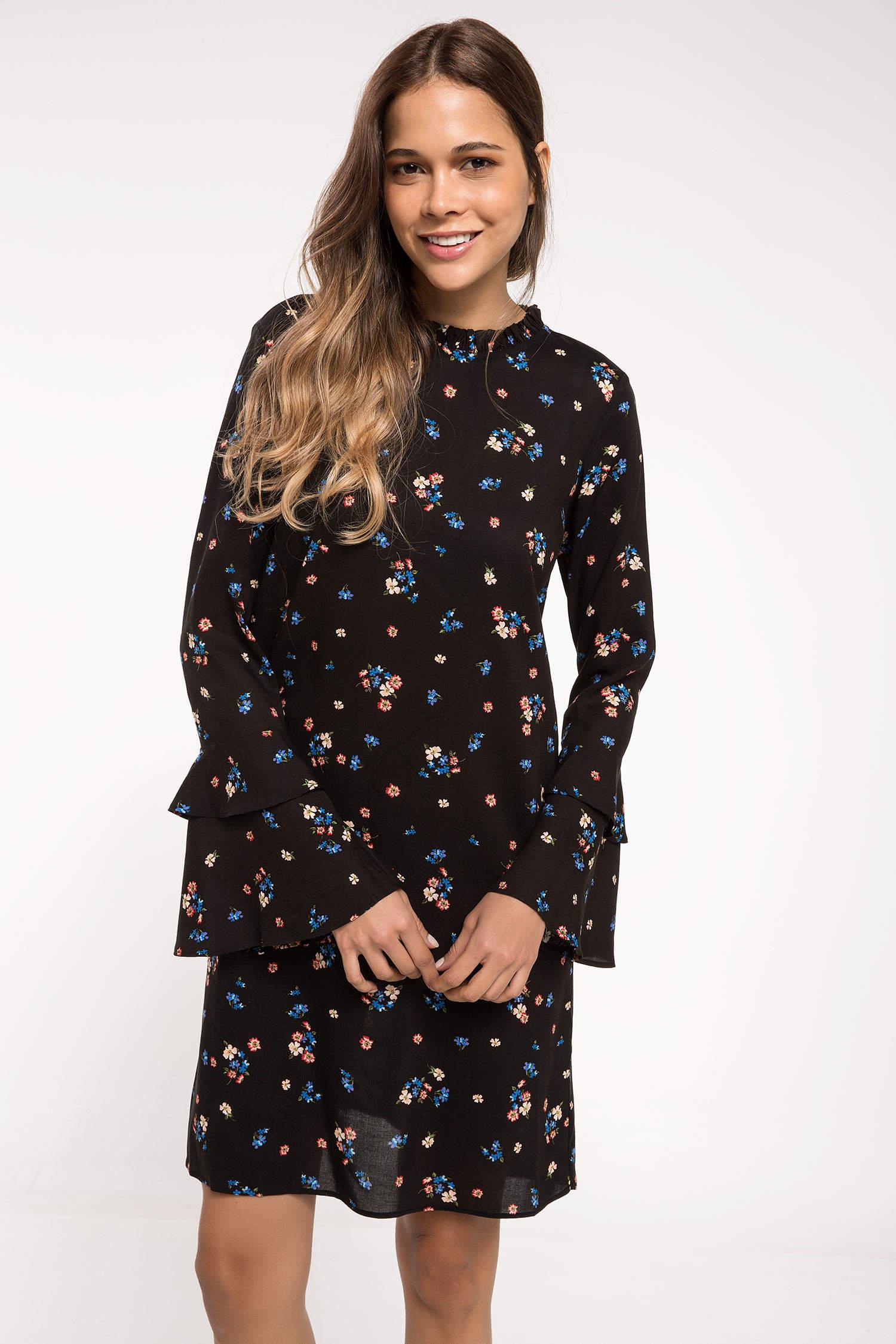 51133d6d0bfec Siyah Kadın Kolları Volan Detaylı Çiçekli Elbise 813147 | DeFacto