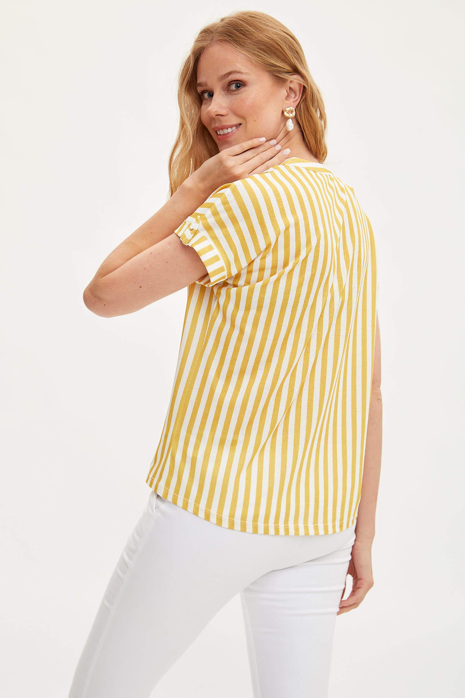 416b699bdcba1 Sarı Kadın Hakim Yaka Çizgili T-shirt 1033370 | DeFacto