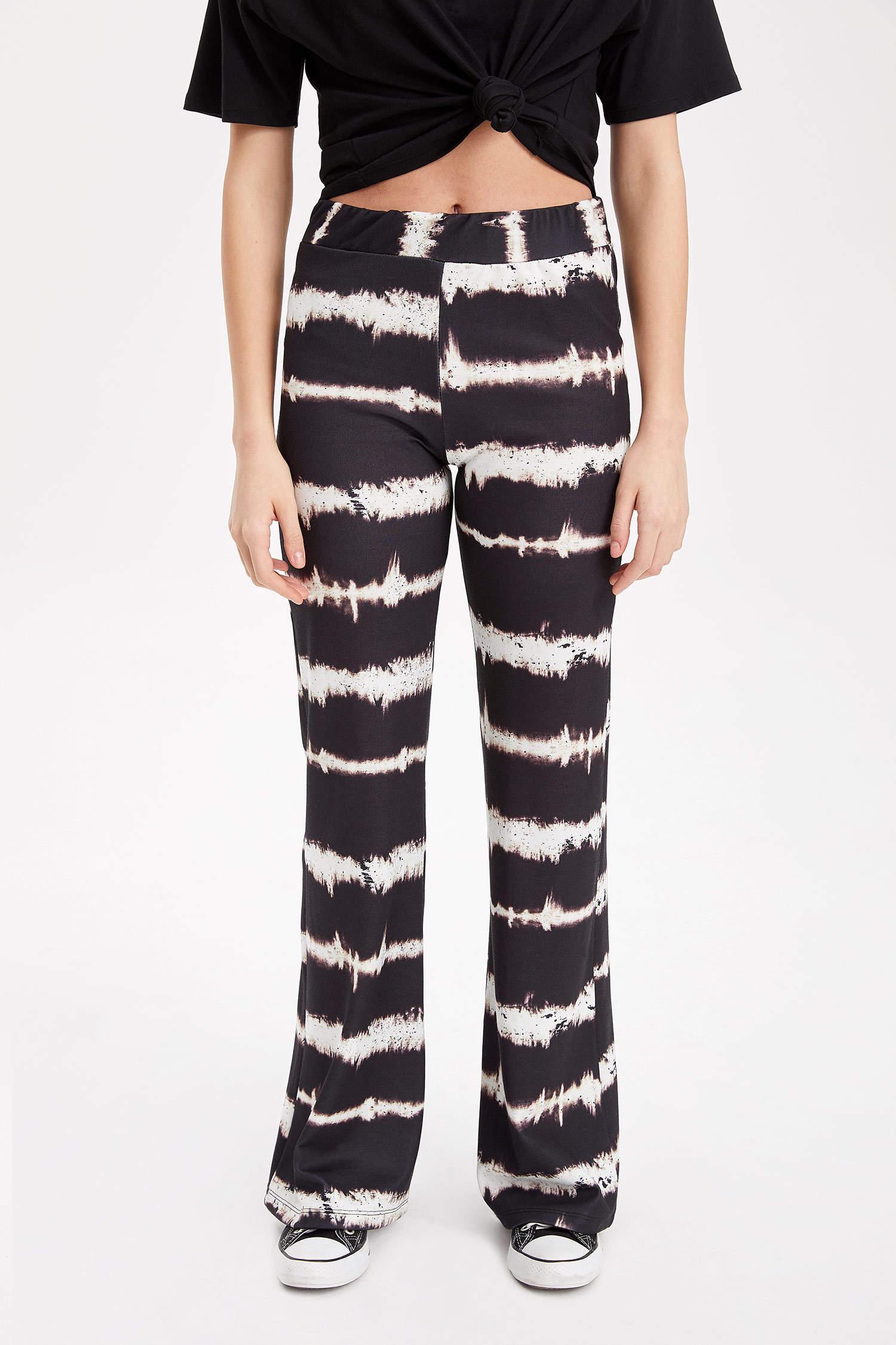 9a9664ead3691 Siyah Kadın Flare Fit Batik Desenli Pantolon 977583 | DeFacto